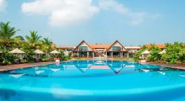 Pool at Uga Bay Resort, Pasikudah, Sri Lanka