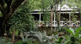 Außenansicht des Reilly's Rock Hilltop Lodge in Ezulwini, Afrika