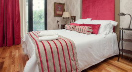 Enchanting Travels - Uruguay Tours - Montevideo Hotels - Alma Historica Boutique Hotel - bedroom