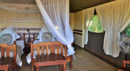 Schlafzimmer der Elephant Valley Lodge im Chobe National Park, Botswana