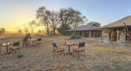 Enchanting Travels Tanzania Tours Serengeti Hotels ubuntu-camp-outdoor-dining