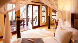 Enchanting Travels - South Africa Tours - Hluhuwe - Amakhosi Safari Lodge - Bedroom
