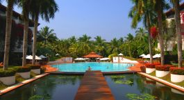 Enchanting Travels - Asia Tours - Sri Lanka - Lanka Princess - Pool