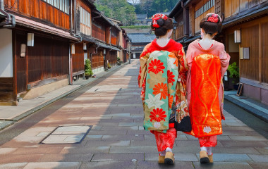Enchanting Travels Japan Tours Kanazawa Japanese Geisha at Higashi-Chaya-gai - Geisha District in Kanazawa