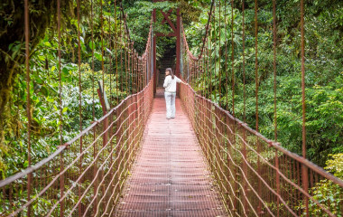 Costa Rica, hanging suspended bridges in Monteverde