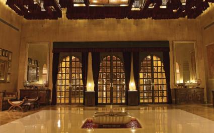 Lobby im Hotel Jaisalmer Suryagarh, Indien