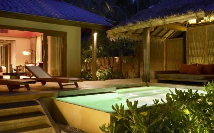 Villa mit Pool im Anantara Rasananda Koh Phangan Villas in Koh Phangan, Thailand