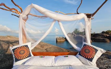 Schlafen unter freiem Himmel in der Nkwichi Lodge