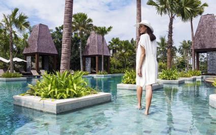 Poolbereich im Sofitel Bali Nusa Dua Beach Resort Hotel in Nusa Dua, Indonesien
