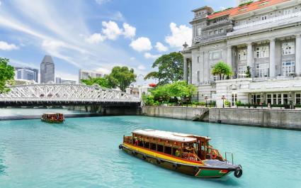 Touristenboot in Singapur