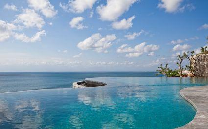 Infinity pool at Anantara Uluwatu Bali Resort Hotel in Uluwatu, Indonesia