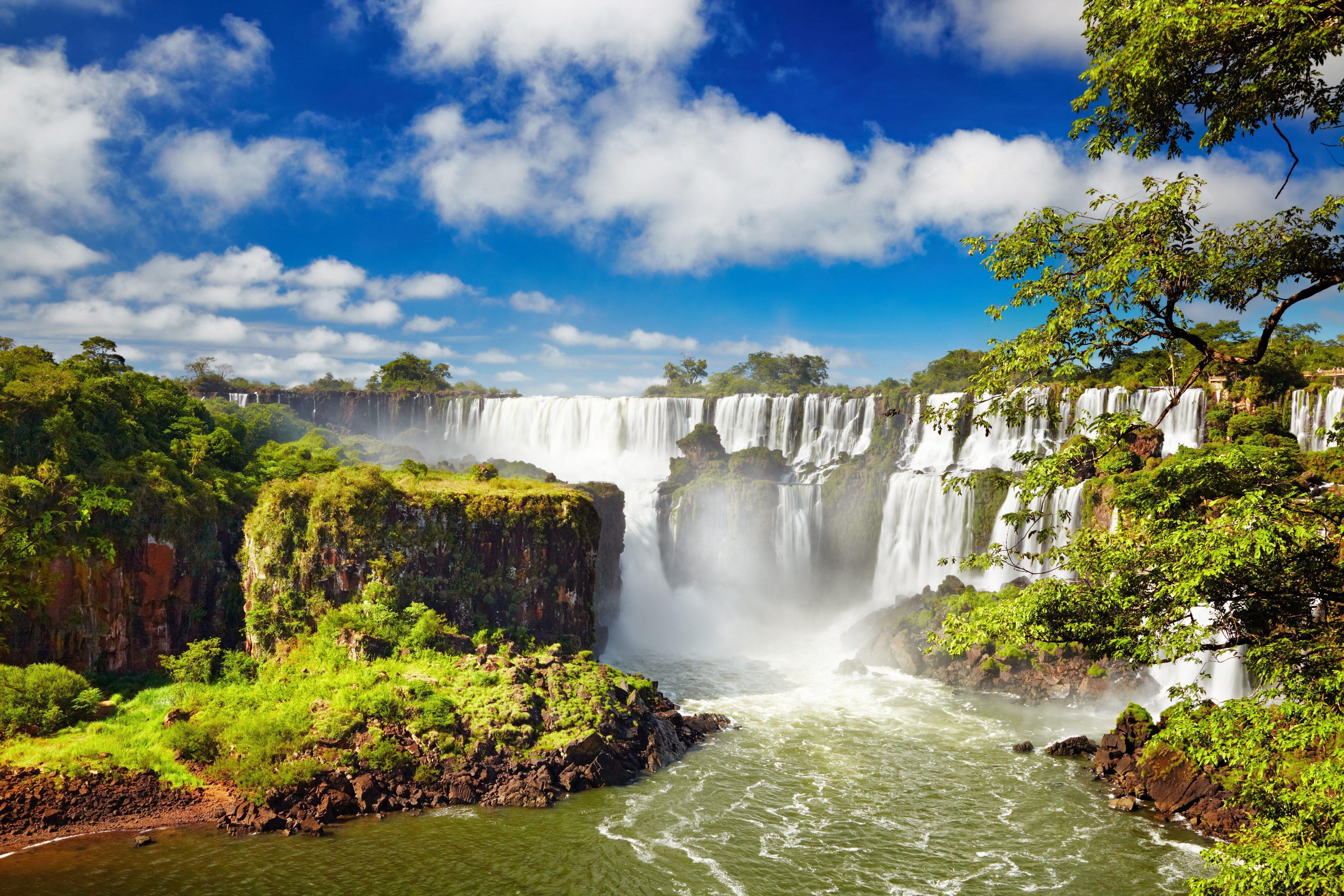 Die Iguazu Wasserfälle bei bestem Reisewetter