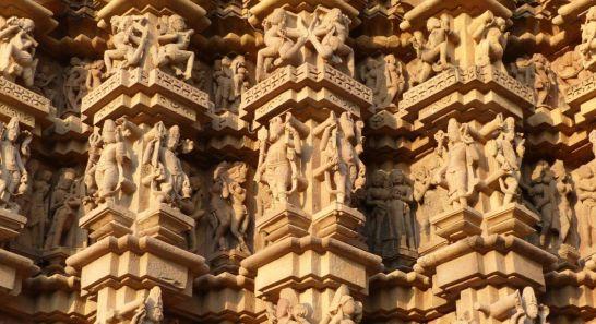 Indienreise Erfahrungsbericht - Kunstvolle Reliefe