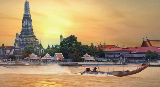 Bangkok bei Sonnenuntergang