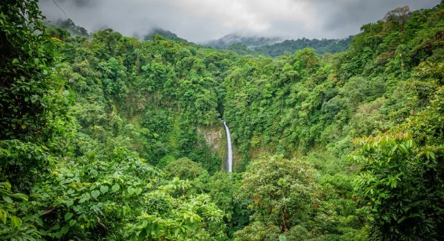 La Fortuna Waterfalls in Arenal National Park