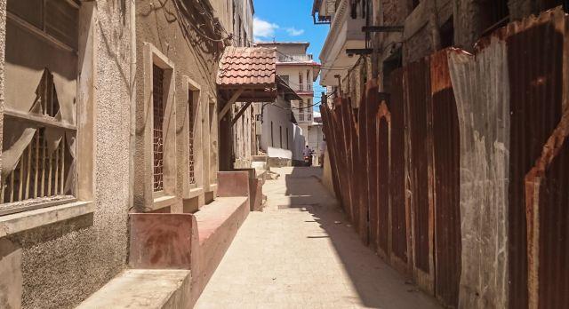 Narrow streets leading to the market