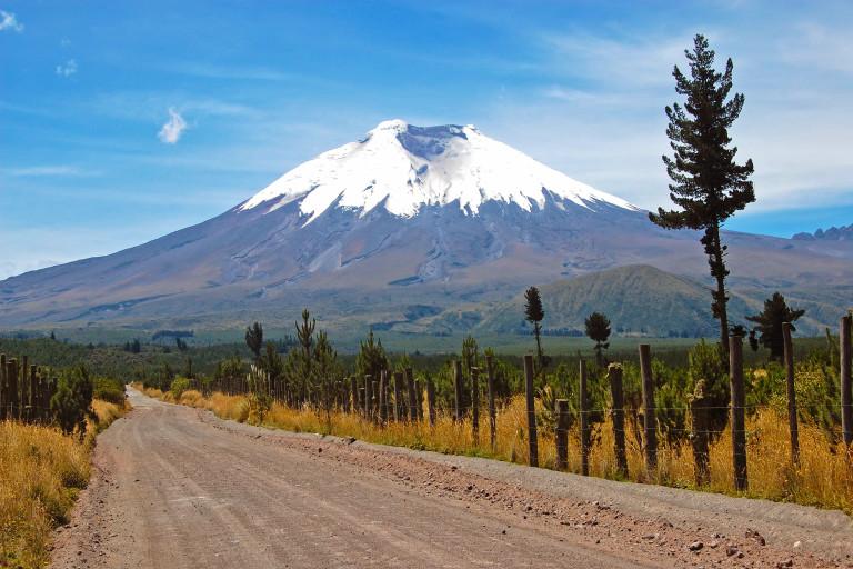 Chimborazo-Vulkan mit schneebedecktem Gipfel in den Anden, Ecuador