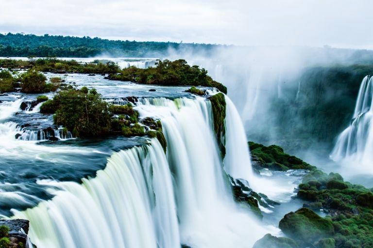 Iguazú Falls, Argentina Brazil holidays