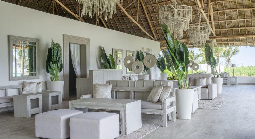 Überdachter Sitzbereich im Hotel Zawadi in Sansibar, Tansania