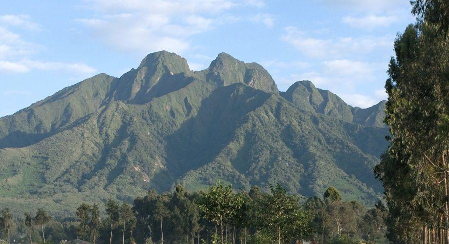 Bergpanorama Volcanoes Nationalpark