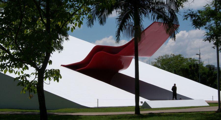 Oscar Niemayer Gebäude im Parque do Ibirapuera