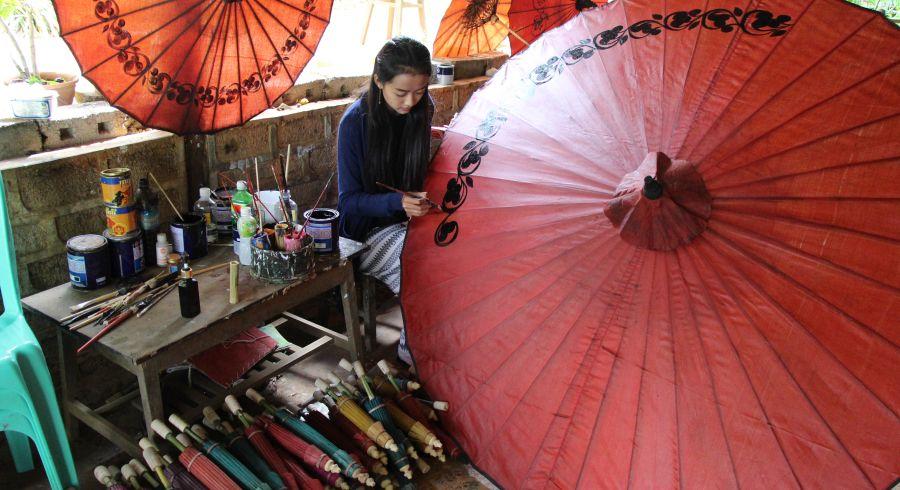 Schirm-Manufaktur in Myanmar