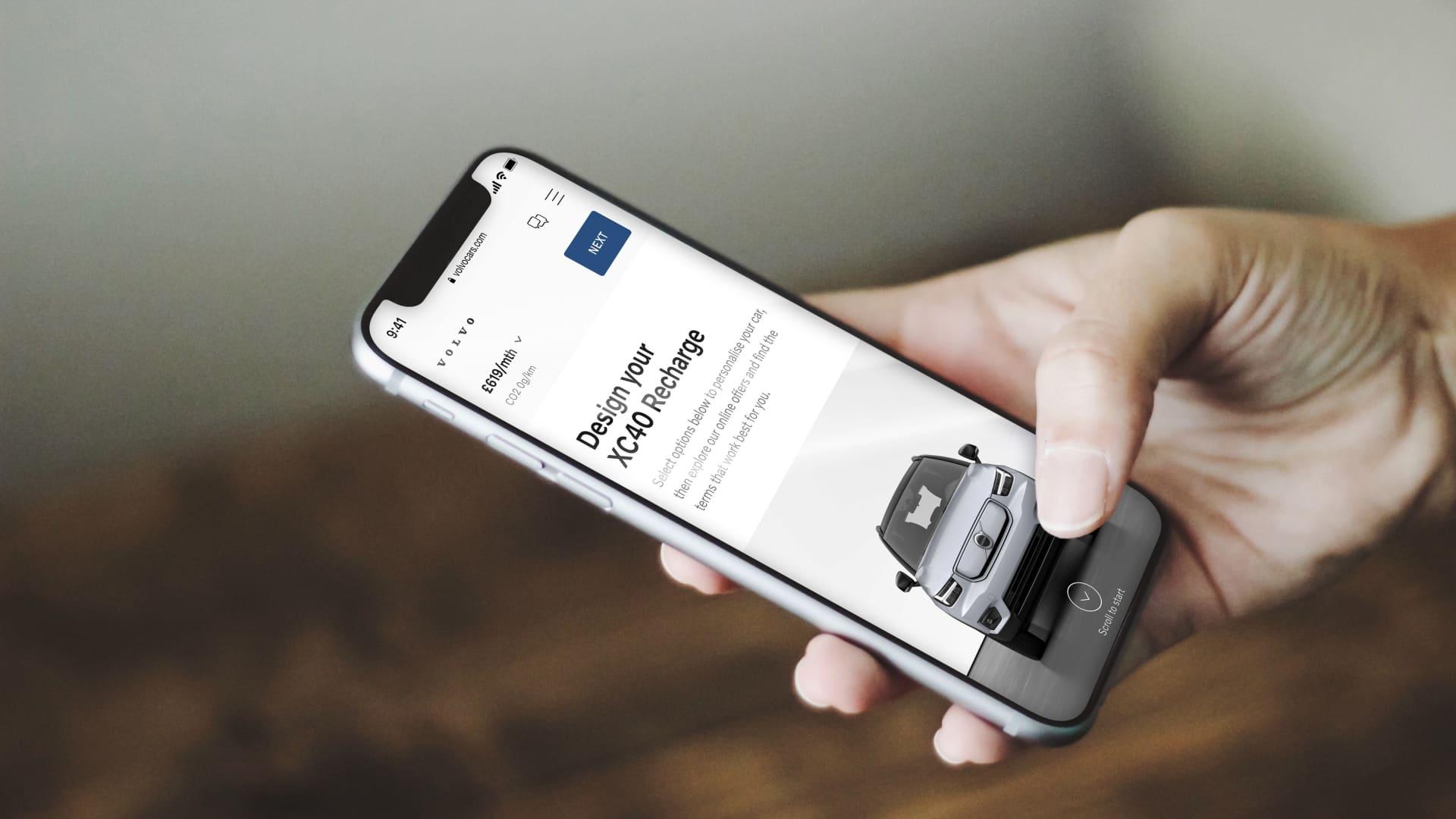 "Kunde bestiller ""Care by Volvo"" med mobiltelefon"