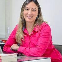 Dra. Larissa Vieira