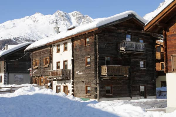 Chalet Fiorella Francisi,Copper Face Jacks Ski Trip