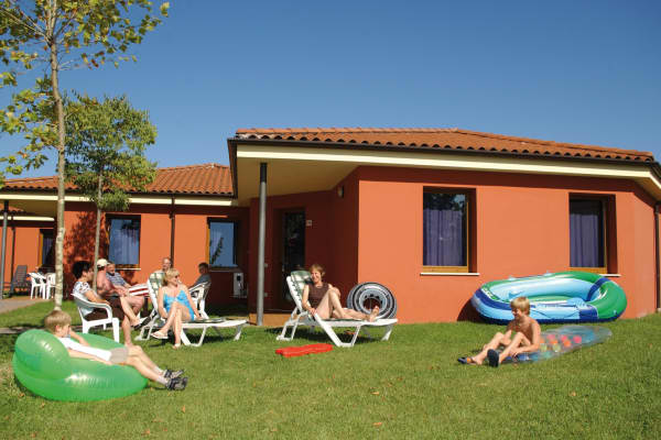Bella Italia Apartments and Bungalows, Peschiera, Lake Garda