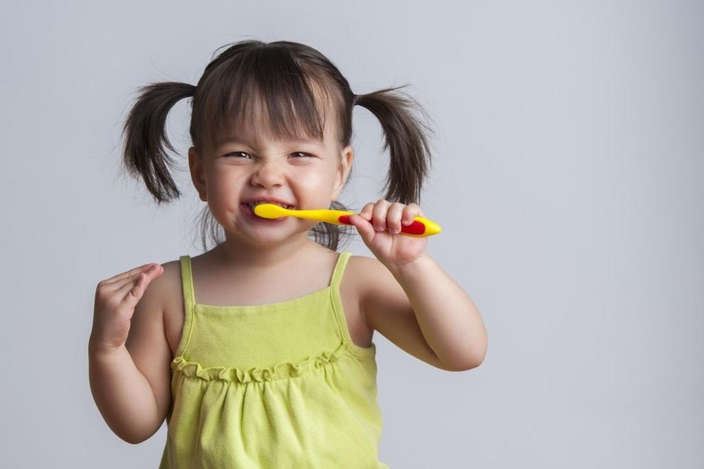 brossage dents enfant