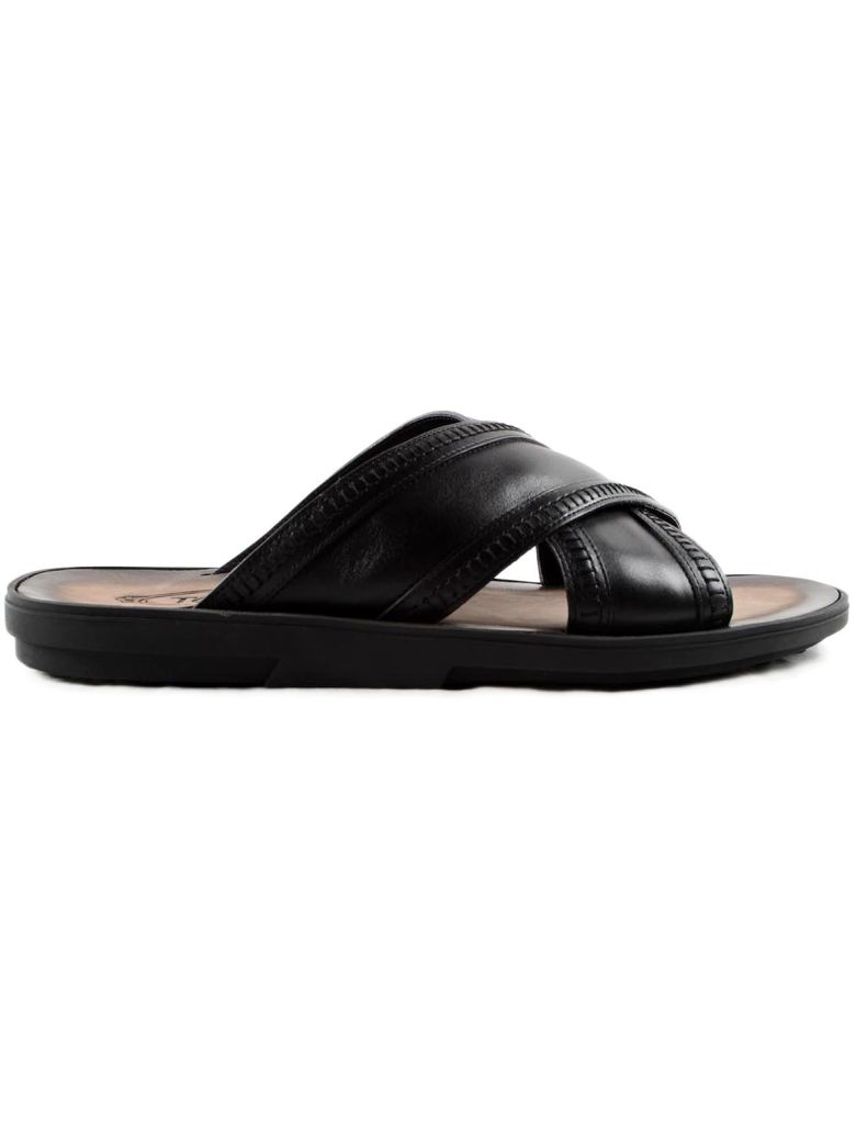 Cross-strap leather sandals