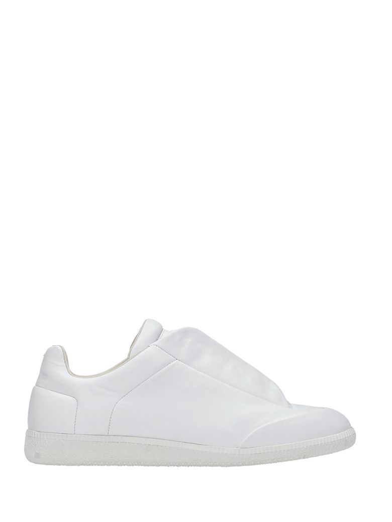 MAISON MARGIELA 'Future' Calfskin Leather Low Top Sneakers in Black