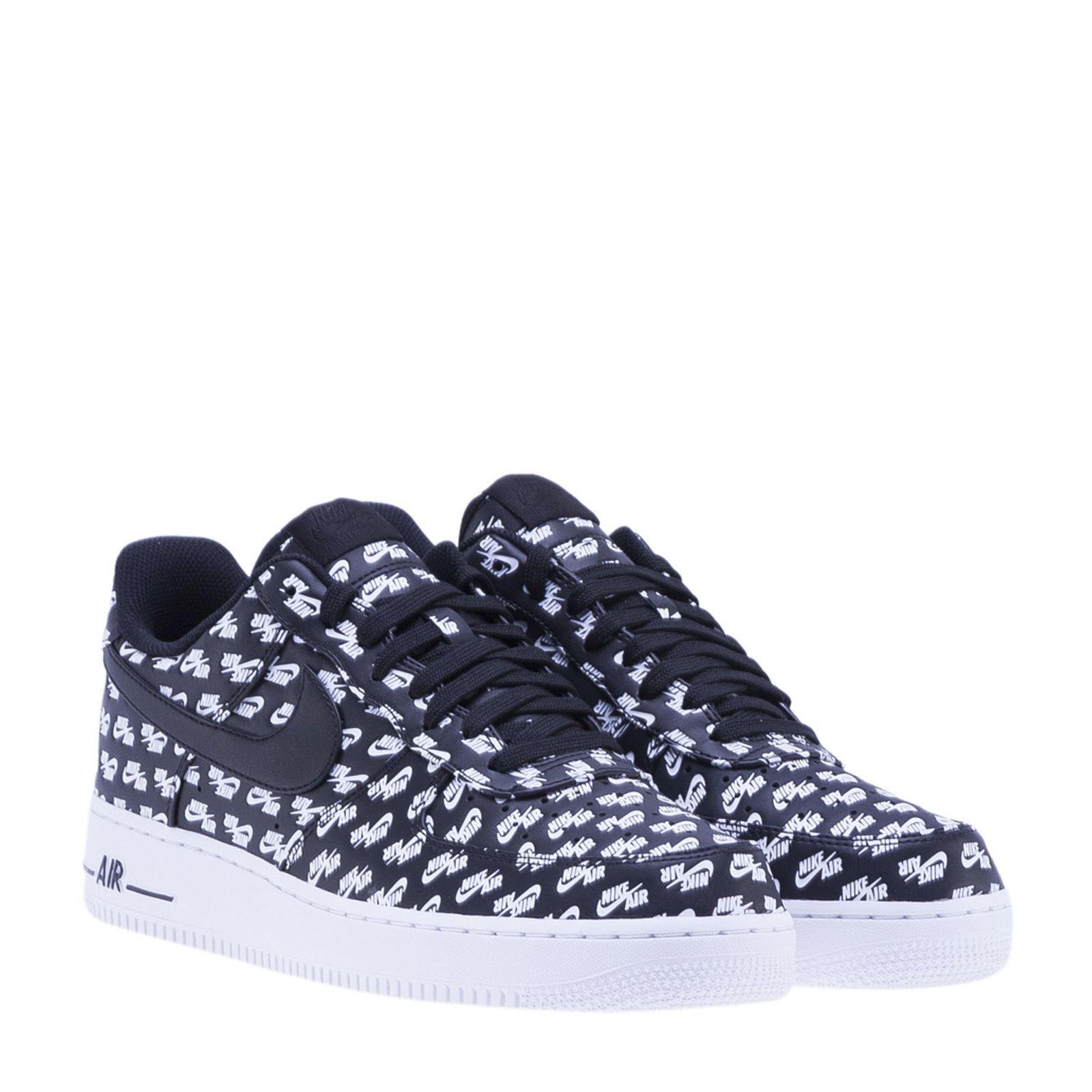 Nike Force 1 Sneakers