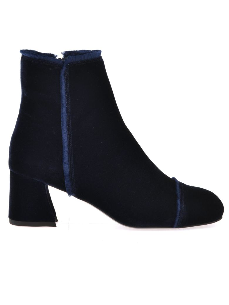 ON THE FRINGE ANKLE BOOT