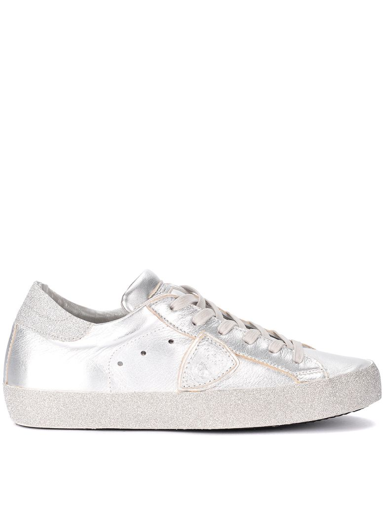 SNEAKER PHILIPPE MODEL PARIS IN SILVER METAL LEATHER