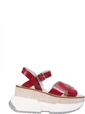 Sandals With Oversize Sole