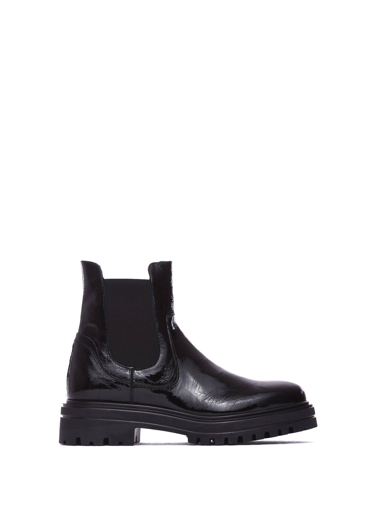 JANET&JANET Molly Glossy Black Ankle Boots in Nero