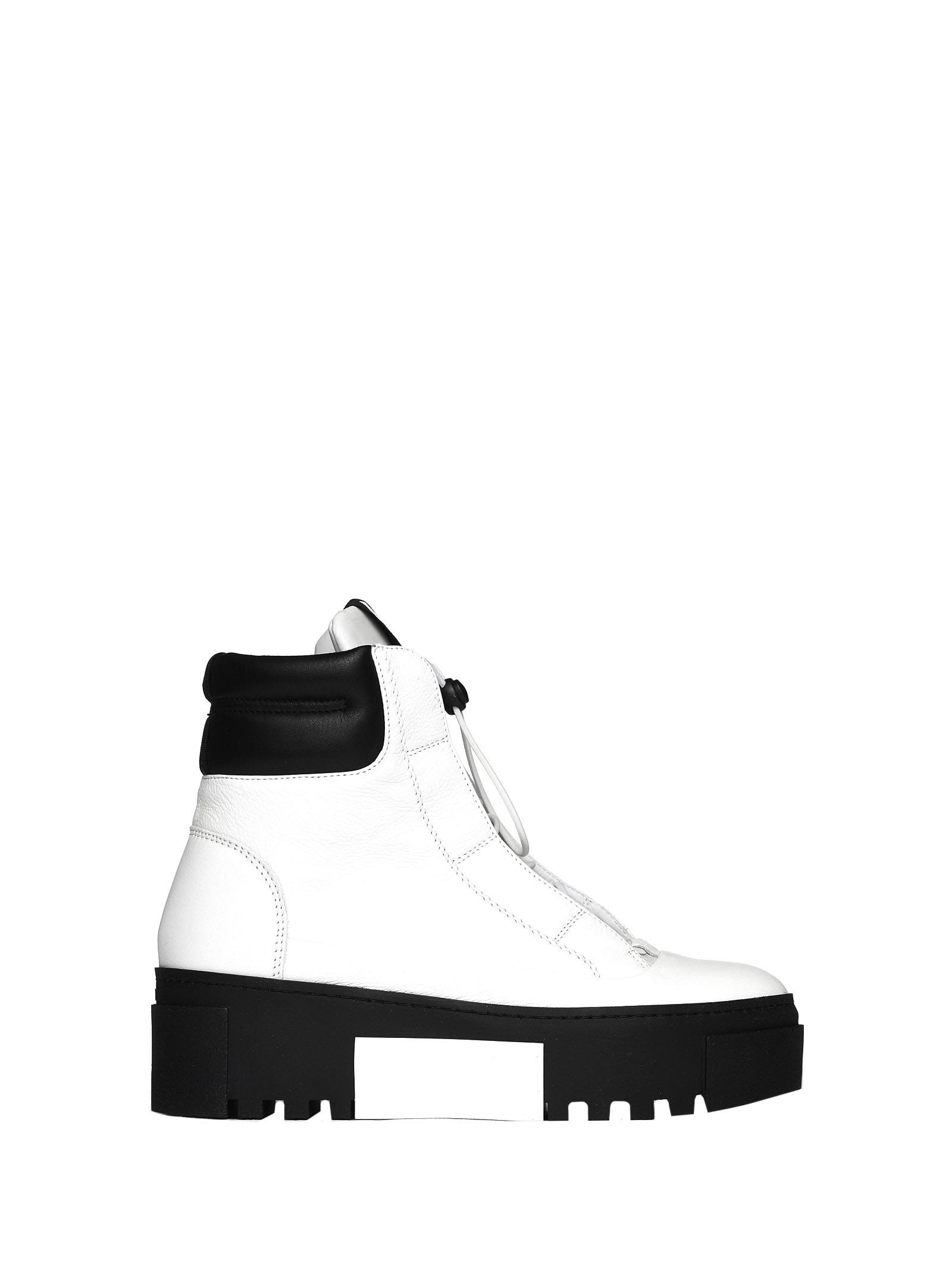 vic matié -  White And Black Hiking-style Heeled Ankle Boots
