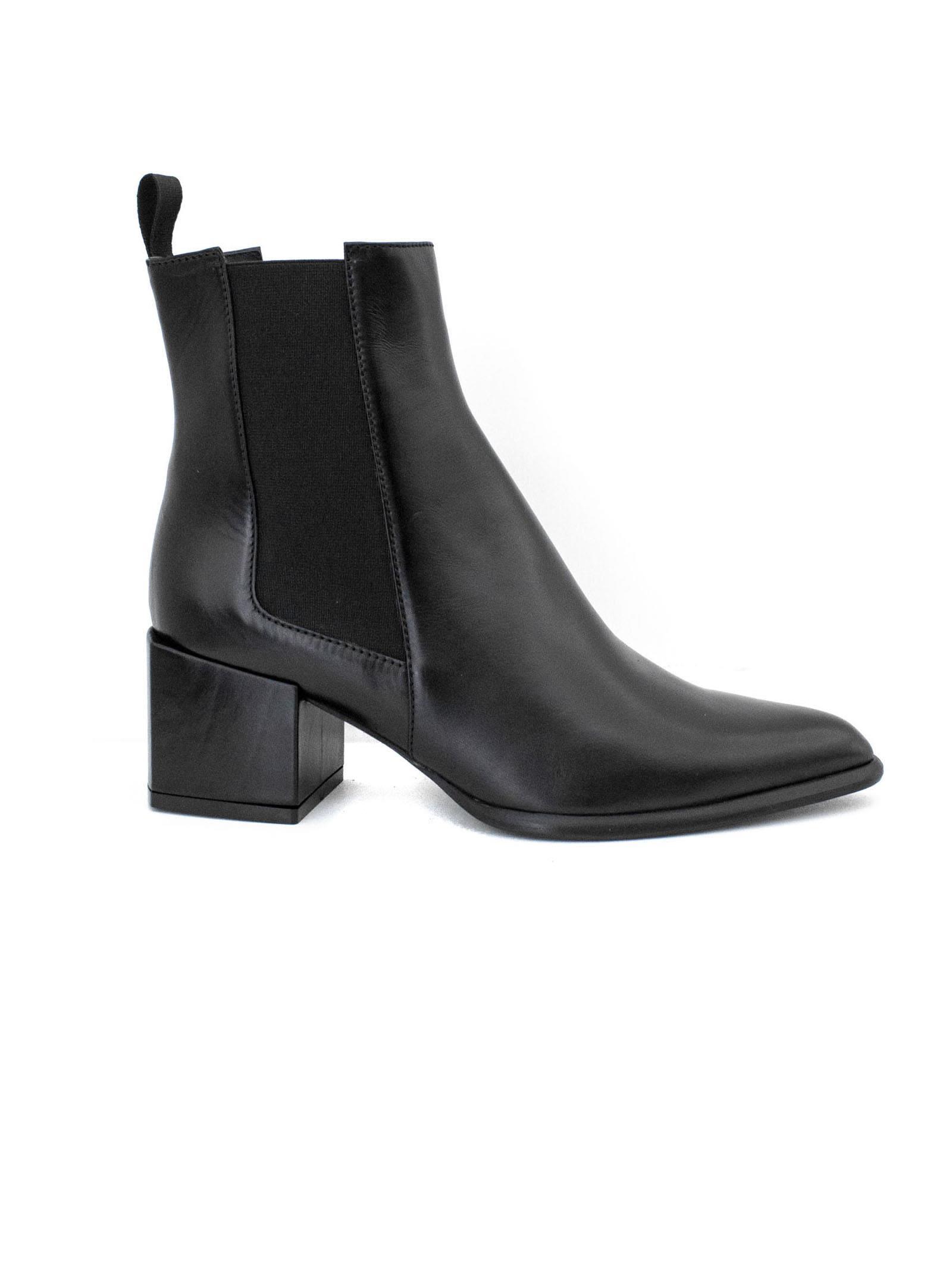 ROBERTO FESTA Rania Ankle Boot In Black Leather. in Nero