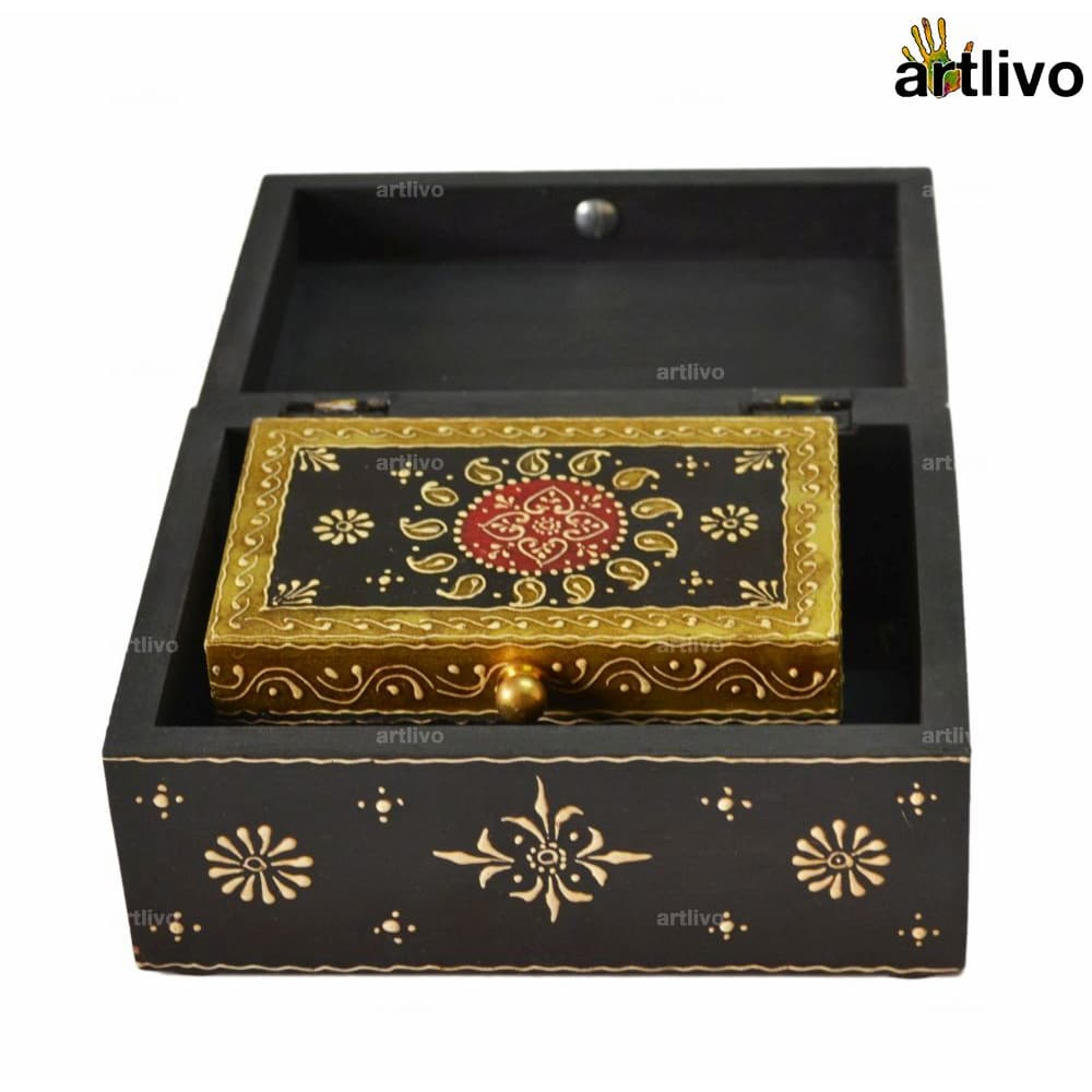EMBOSSED Traditional Boxes