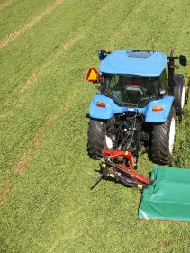 KVERNELAND 2316 M - 2320 M - 2324 M, side mounted disc mowers build compact for smaller tractors