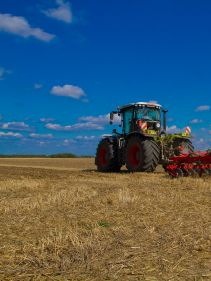 Kverneland A-Drill performs rapid implementation of crop at low price, with high precision