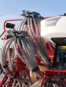 Kverneland e-drill maxi plus, isobus, IsoMatch, adustable hopper