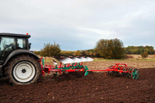 Kverneland 2300 S Providing the best soil preparation, with great range of accessories