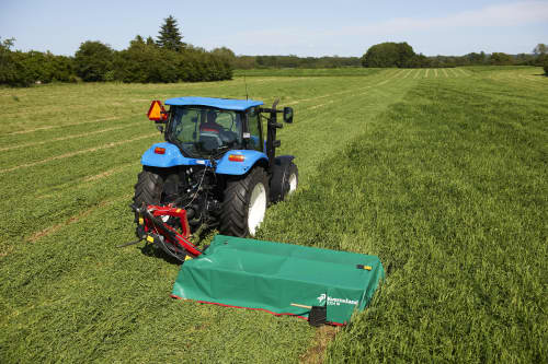 Plain Mowers - KVERNELAND 2316 M - 2320 M - 2324 M, side mounted disc mowers build compact for smaller tractors
