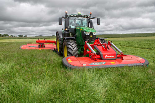 Mower Conditioners - Kverneland 3300 FT - FR, excellent ground tracking from 3 dimensional suspension
