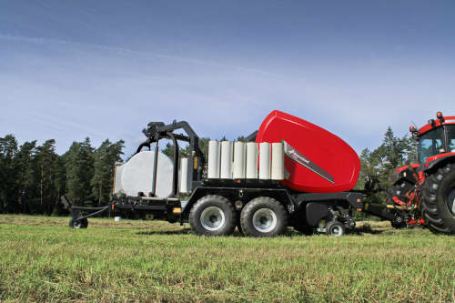 Fixed Chamber Baler-Wrapper combinations - Kverneland 6350 Plus FlexiWrap, efficient twin satellite wrapper