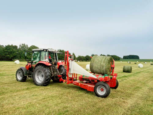 Round Bale Wrappers - Kverneland 7740, self-loading mechanism and folding bales up to 1200kg