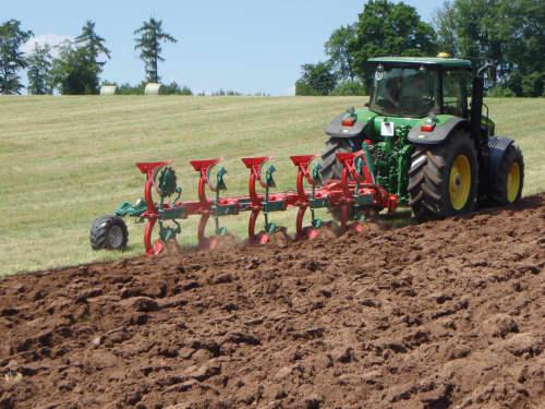 Reversible Mounted Ploughs - Kverneland EG LB efficient plough for medium to heavy soils, great range of accessories
